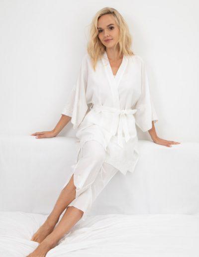 lifestyle short kimono & cropped pant in white