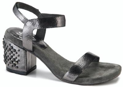 ulus-nouvelle-calleen-cordero-tia-heels6